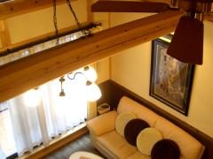 浅香 K邸『さくらの家』 ロフトから見下ろすとリビングが。