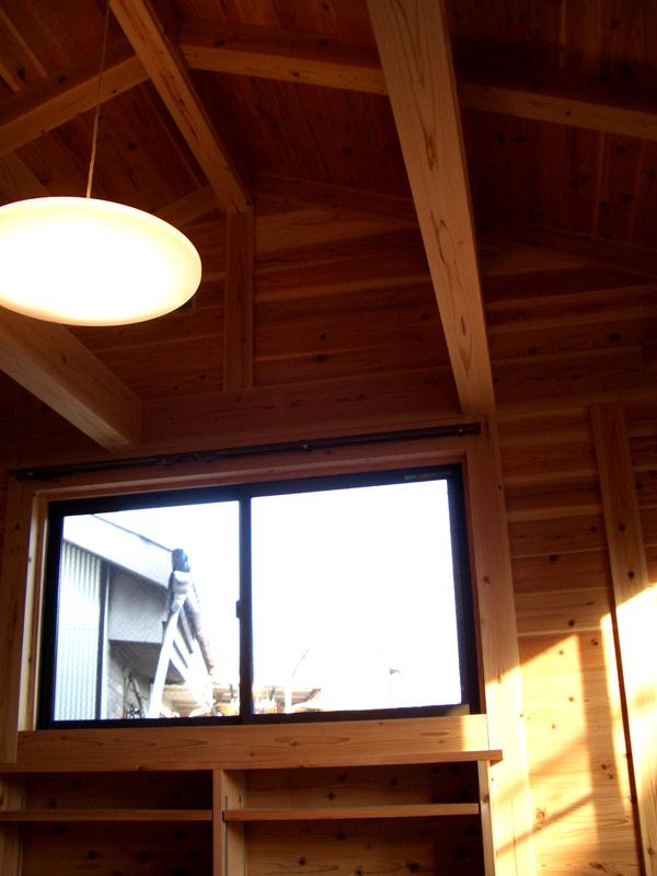 生野勝山 KD邸 2階は小屋裏が吹き抜けに。