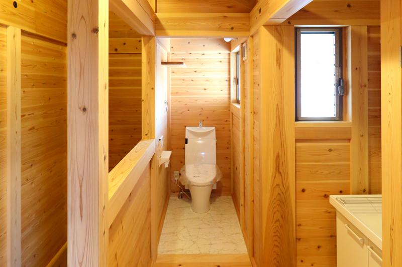 寝屋川木屋元町 板倉造りの庫裏 トイレ