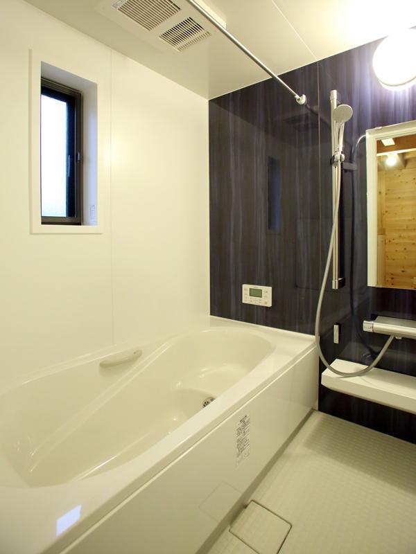 和歌山市内原 N邸『大屋根の家』 浴室