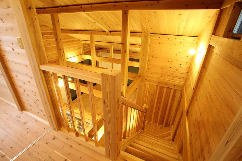 和歌山市内原 N様邸『大屋根の家』 2階 吹き抜け