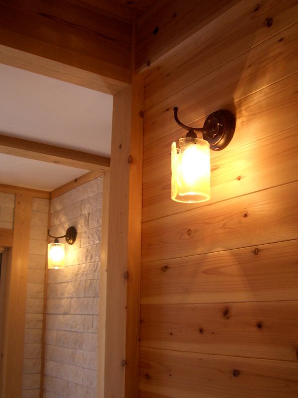 八尾萱振の家o様邸 廊下の間接照明