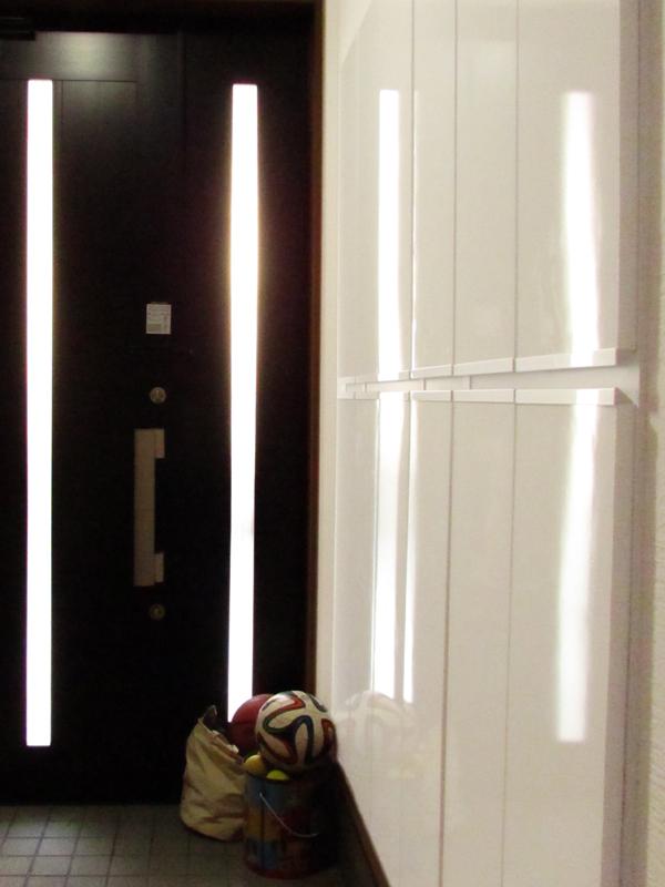 東大阪御厨 M様邸 after 玄関。靴箱などの収納は壁に埋め込みました。