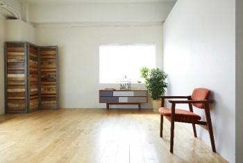 昼白色の部屋(イメージ)
