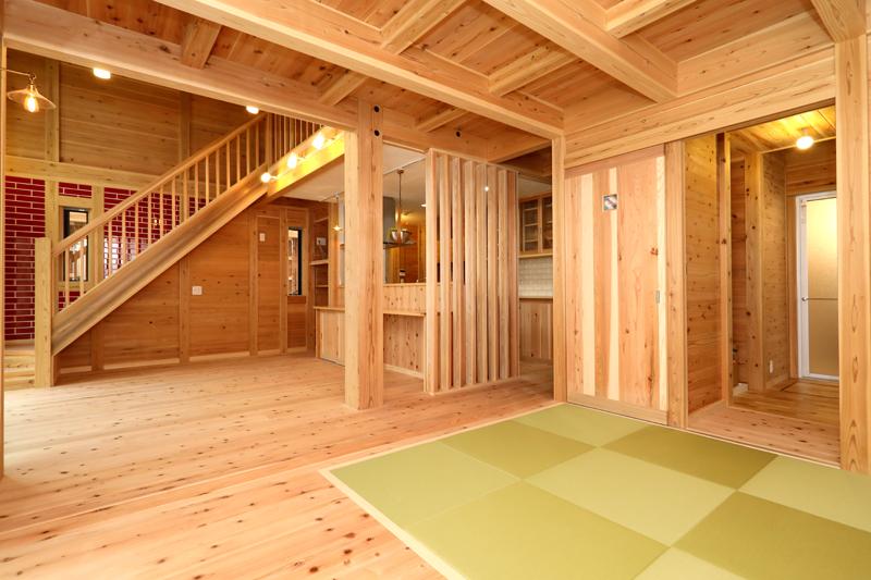 八尾刑部 G邸『漆喰とタイルの無垢の家』 1F リビング