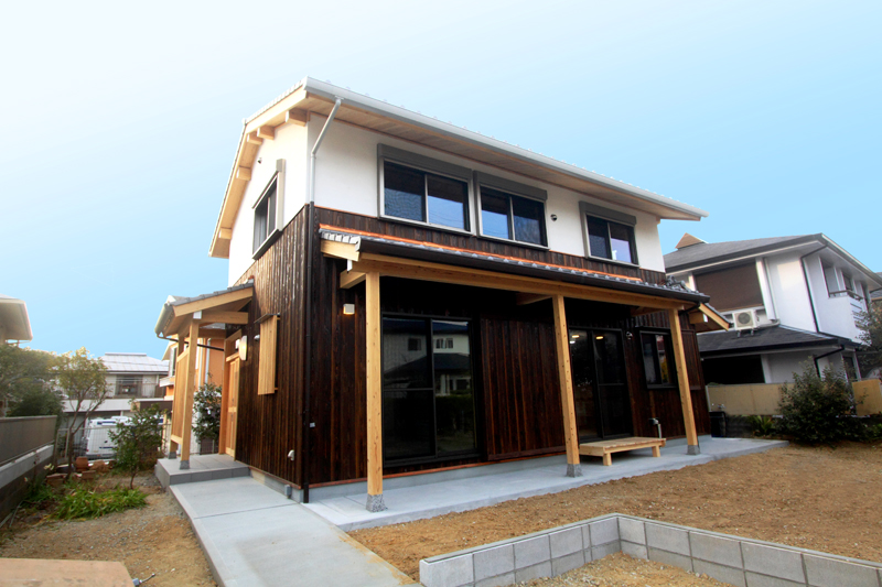 神戸春日台 T様邸『家族が心ゆたかに過ごす無垢の家』 外観