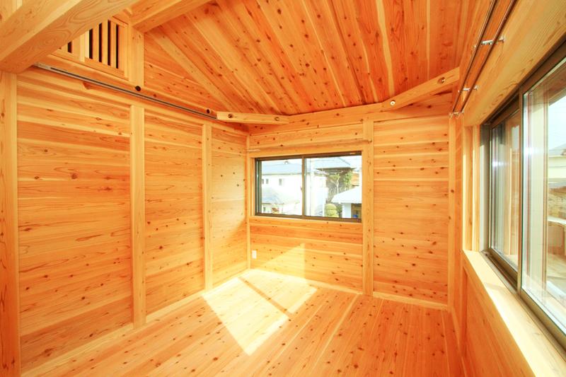 神戸春日台 T様邸『家族が心ゆたかに過ごす無垢の家』 寝室