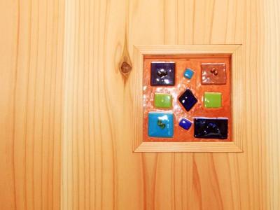神戸春日台 T邸『家族が心ゆたかに過ごす無垢の家』 お施主様手作りのガラスクラフト。