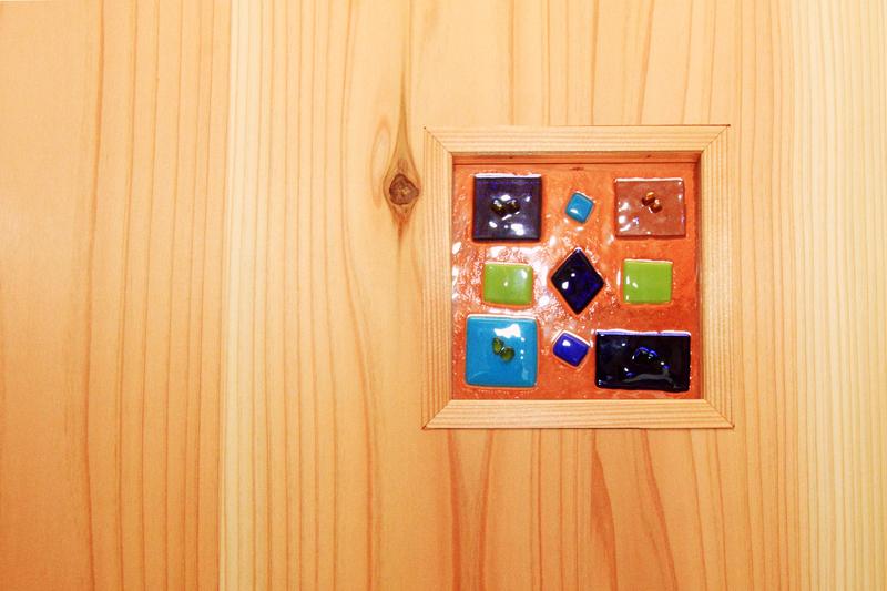 神戸春日台 T様邸『家族が心ゆたかに過ごす無垢の家』 お施主様手作りのガラスクラフト。