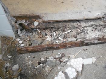 奈良広陵 無垢と漆喰の耐震リフォーム 浴室解体02