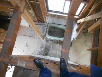 奈良広陵 無垢と漆喰の耐震リフォーム 浴室解体04