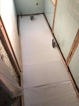 八尾弓削 自然素材リフォーム トイレ改修床・壁01