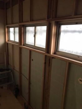 八尾弓削 自然素材リフォーム トイレ改修床・壁02