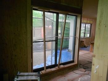 奈良広陵 無垢と漆喰の耐震リフォーム 窓枠施工02