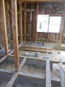 奈良広陵 無垢と漆喰の耐震リフォーム 1階床解体03