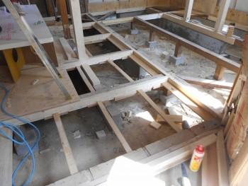 奈良広陵 無垢と漆喰の耐震リフォーム 床下断熱材受材01