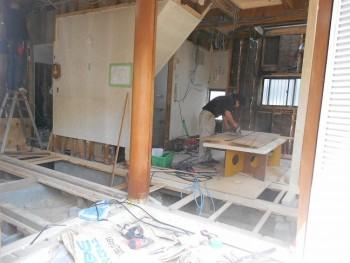 奈良広陵 無垢と漆喰の耐震リフォーム 床下断熱材受材02
