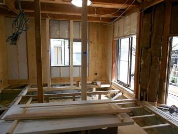 奈良広陵 無垢と漆喰の耐震リフォーム 床下断熱材受材03