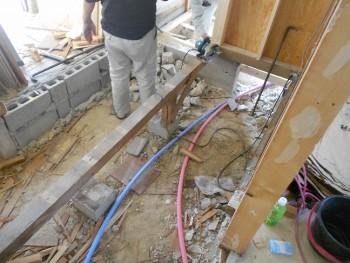 奈良広陵 無垢と漆喰の耐震リフォーム 玄関ホール解体01