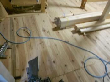 奈良広陵 無垢と漆喰の耐震リフォーム 1階床下地貼り01