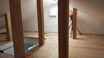 奈良広陵 無垢と漆喰の耐震リフォーム ロフト床仕上02
