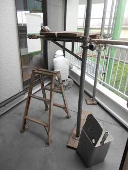 奈良広陵 無垢と漆喰の耐震リフォーム ベランダ手摺塗装01