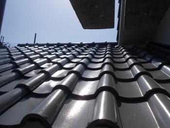奈良広陵 無垢と漆喰の耐震リフォーム 屋根塗装開始01