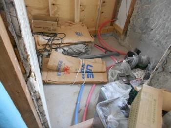 奈良広陵 無垢と漆喰の耐震リフォーム 浴室給排水管先行