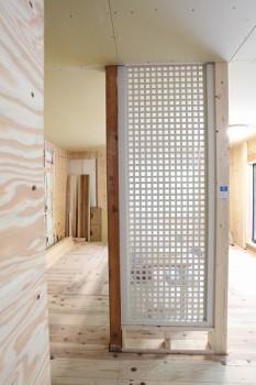 奈良広陵 無垢と漆喰の耐震リフォーム 透光耐震壁施工02