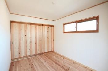奈良広陵 無垢と漆喰の耐震リフォーム 建具への無垢材使用