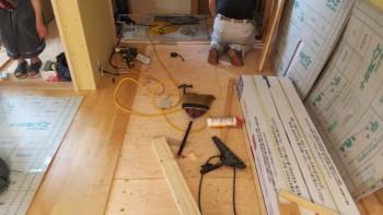 八尾弓削 自然素材リフォーム 2階床仕上貼り01