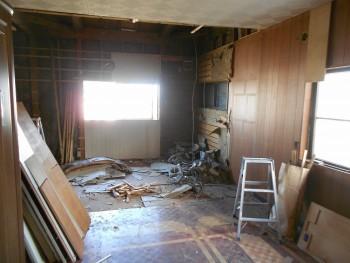 大阪 交野 自然素材健康住宅の耐震リフォーム 壁・天井解体02