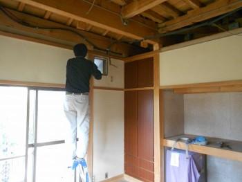 大阪 交野 自然素材健康住宅の耐震リフォーム 壁・天井解体05