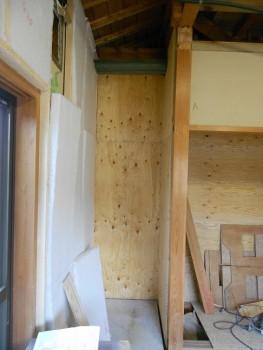 大阪 交野 自然素材健康住宅の耐震リフォーム 構造用合板補強開始02