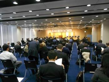 優良従業員表彰式典で大和さんが表彰されました。01
