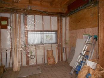 大阪 交野 自然素材健康住宅の耐震リフォーム 壁断熱材完了02