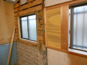 大阪 交野 自然素材健康住宅の耐震リフォーム 既存窓内壁作製01