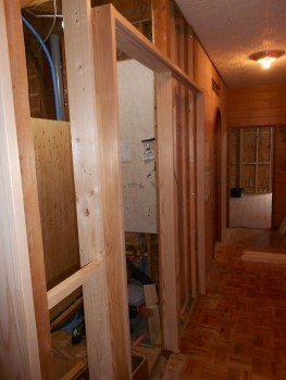 大阪 交野 自然素材健康住宅の耐震リフォーム 建具枠施工02