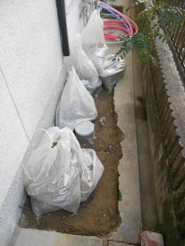 【外部配管施工】大阪 交野 自然素材健康住宅の耐震リフォーム