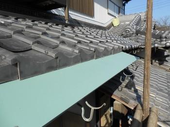 軒先のガルバリウムへのやり替え 大阪 交野 自然素材健康住宅の耐震リフォーム01