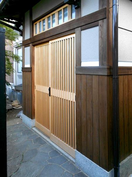 八尾弓削 T様邸 自然素材リフォーム after 玄関戸。