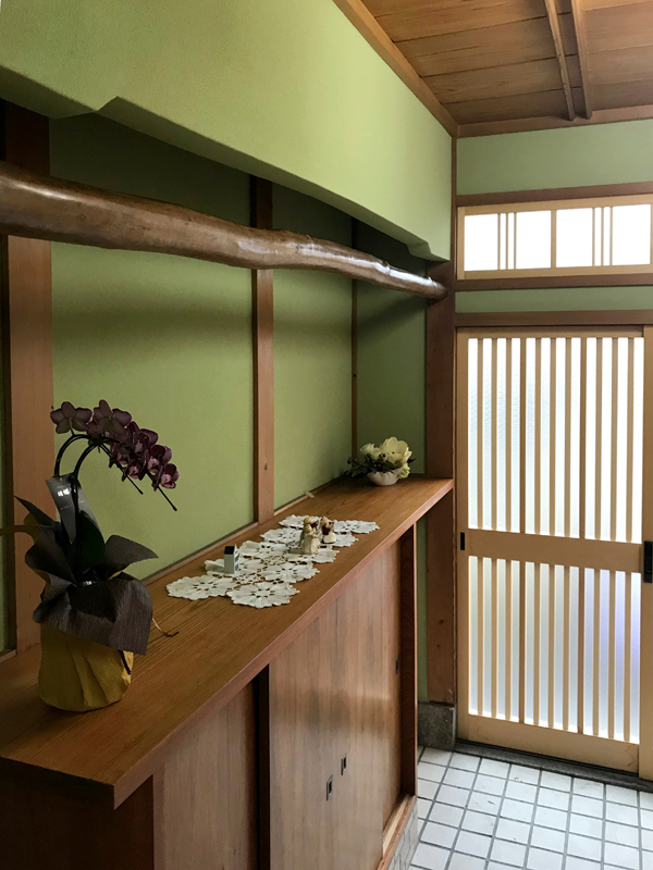 八尾弓削 T様邸 自然素材リフォーム after 玄関。