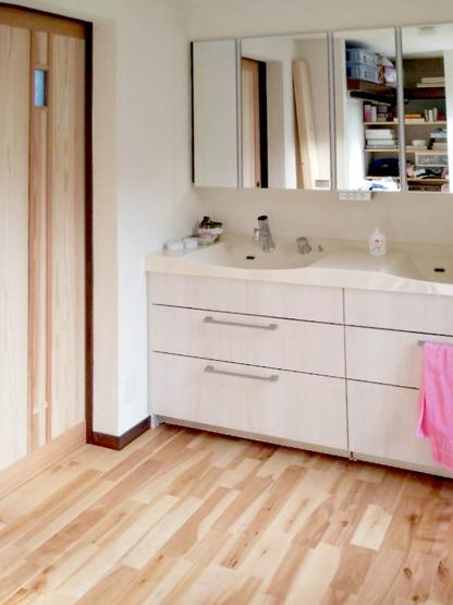 八尾弓削 T様邸 自然素材リフォーム after 洗面脱衣室。