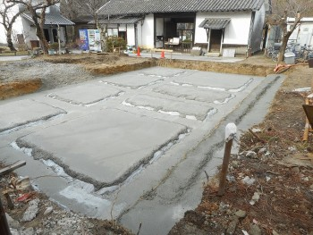 【基礎工事】服部緑地「板倉造り」事務所棟移築 捨てコンクリート