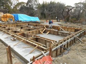 【基礎工事】服部緑地「板倉造り」事務所棟移築 立ち上がりコンクリート打設01