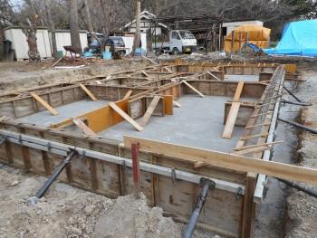 【基礎工事】服部緑地「板倉造り」事務所棟移築 立ち上がりコンクリート打設02