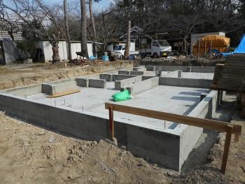 【基礎工事】服部緑地「板倉造り」事務所棟移築 型枠外し02