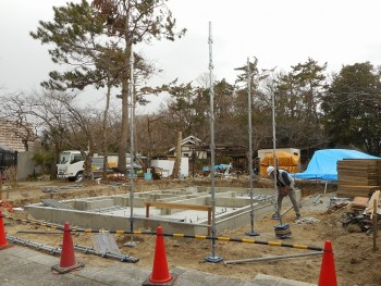 【建て方】服部緑地「板倉造り」事務所棟移築 足場01