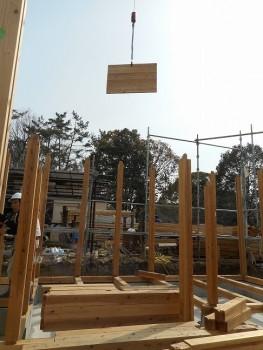 【建て方】服部緑地「板倉造り」事務所棟移築 建て方03