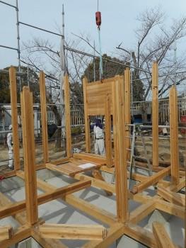 【建て方】服部緑地「板倉造り」事務所棟移築 建て方04